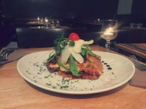 Lasagnes végétariennes et salade de roquette